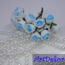 Роза 1,5 см белые с голубой срединкой