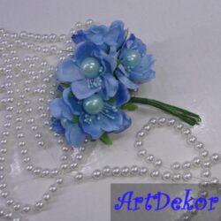 Цвет яблони с бусиной голубой