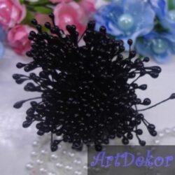 Тычинки черного цвета